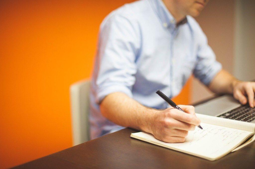 Por que se tornar um redator freelancer?